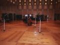 studio-sara-playing